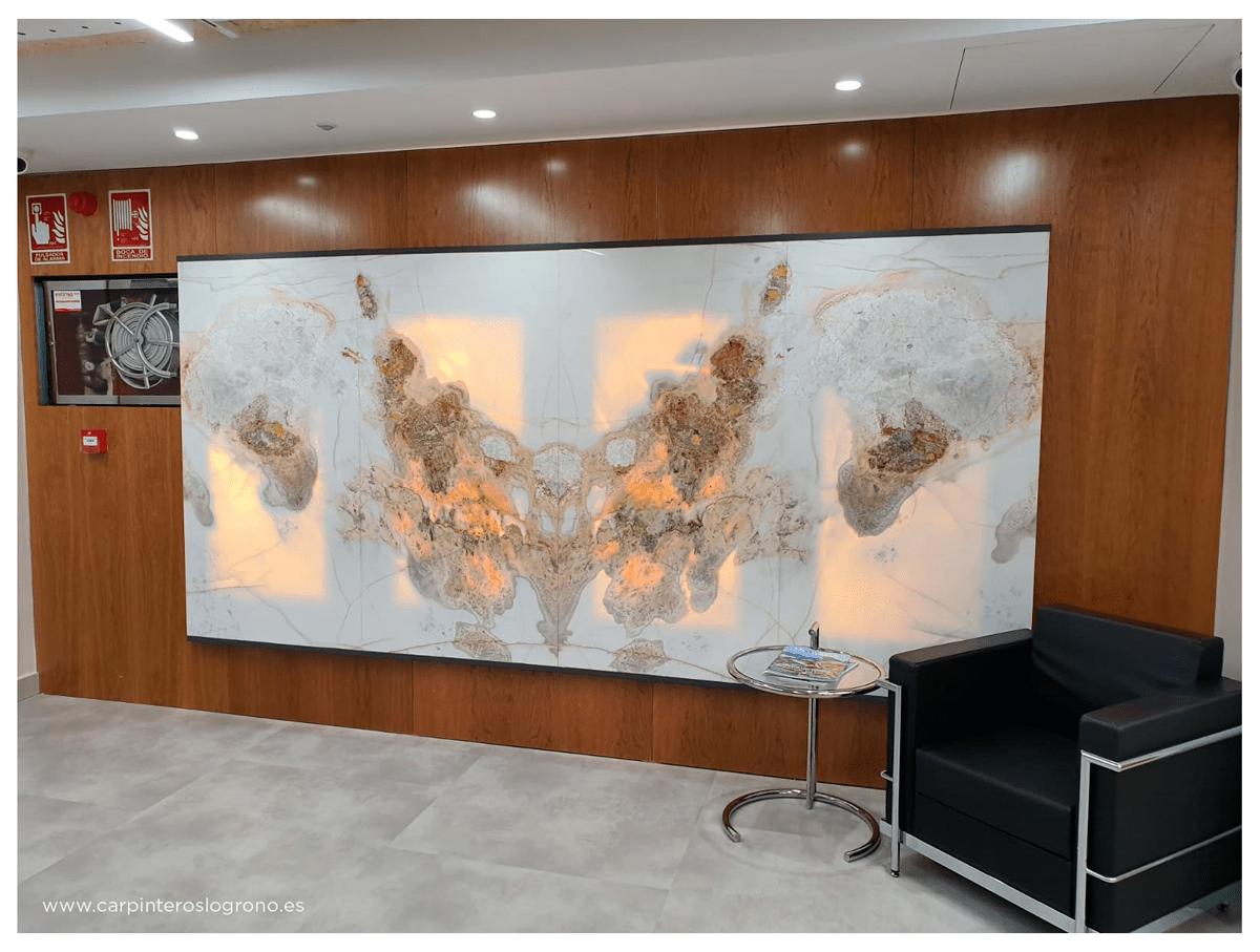 Panelado de madera en oficina ubicada en Logroño