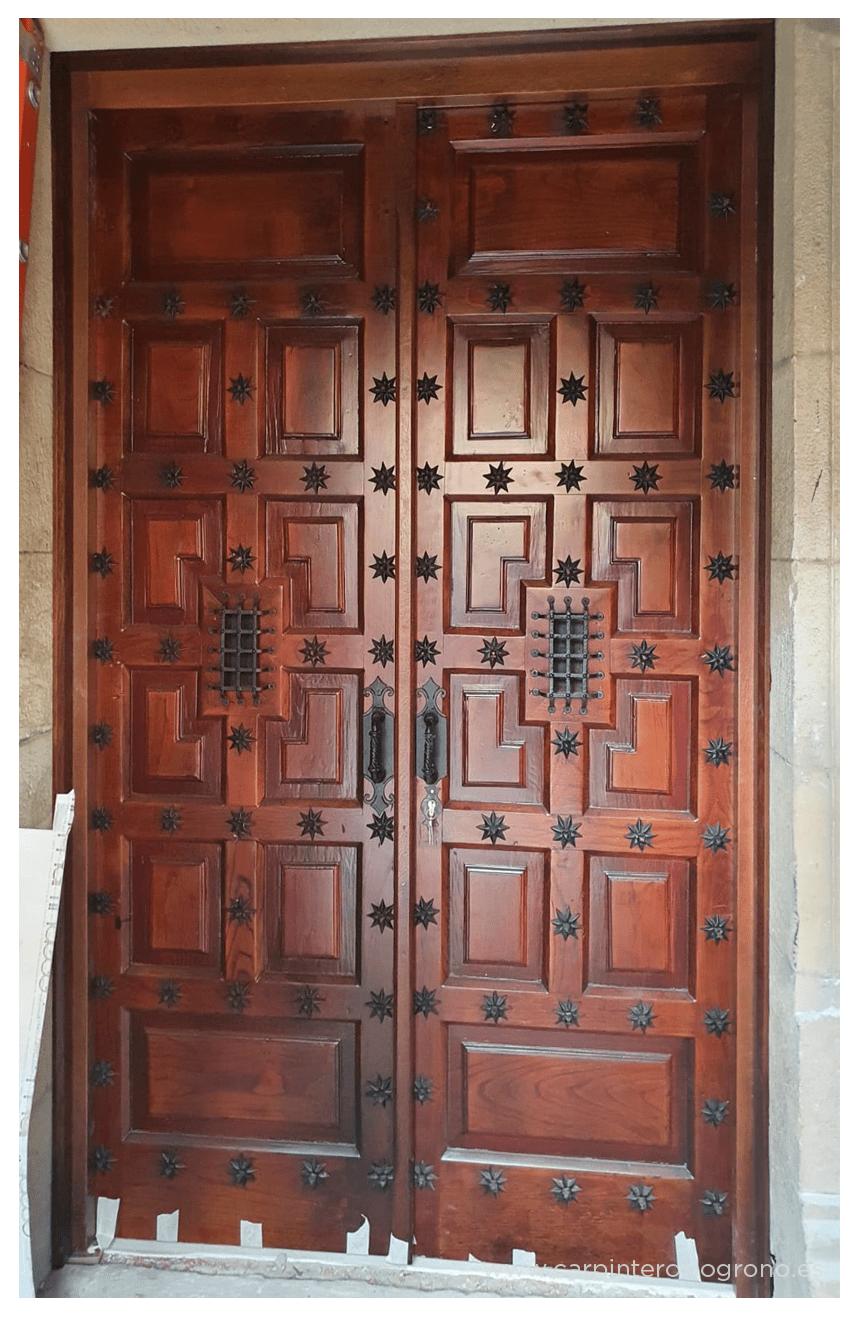 Puerta de madera en Getxo