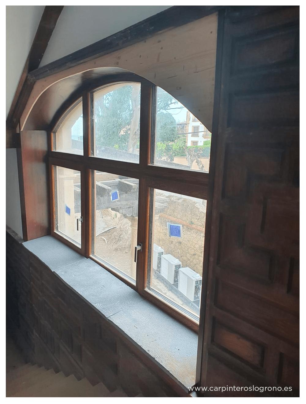 Restauración de ventana de madera en Getxo