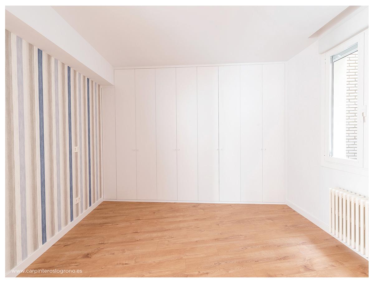 Armario con puertas lacadas en blanco en La Rioja